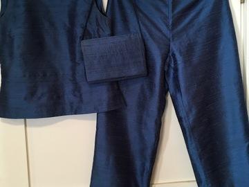 Ilmoitus: Raakasilkkiä housut, toppi, jakku ja laukku