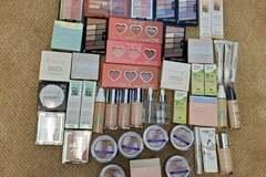 Liquidation/Wholesale Lot: BUNDLE of 47 Makeup Items