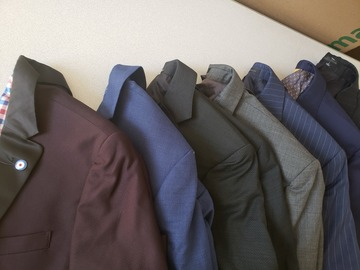 Liquidación / Lote Mayorista: Men's High End Suits Separates Blazers and Pants RL CK etc.