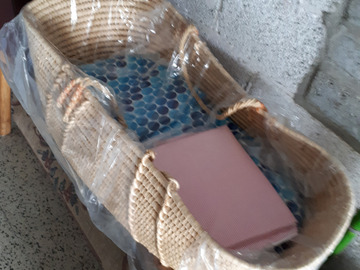 À vendre: Porte-bébé MOÏSE en osier + matelas & draps