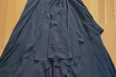 Ilmoitus: Tummansininen kaason/morsiusneidon mekko