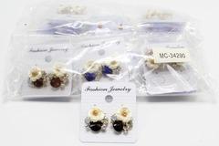 Liquidation/Wholesale Lot: Dozen New Rhinestone Flower Post Earrings MC34290-12