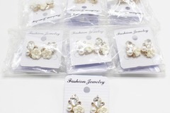 Liquidation/Wholesale Lot: Dozen New Rhinestone Flower Post Earrings MC35155-12