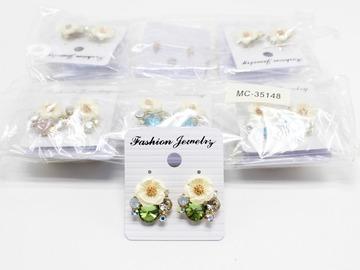 Liquidation/Wholesale Lot: Dozen New Rhinestone Flower Post Earrings MC35148-12