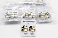 Liquidation/Wholesale Lot: Dozen New Rhinestone Flower Post Earrings MC34289-12
