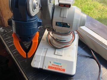 À vendre: Robot Armatron