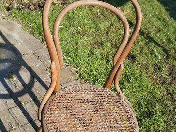 À vendre: chaise Thonnet à restaurer