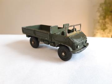 À vendre: Camion militaire miniature Dinky Toys 1960 Mercedes Benz Unimog