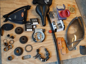 À vendre: Lot de pièces pour vélos