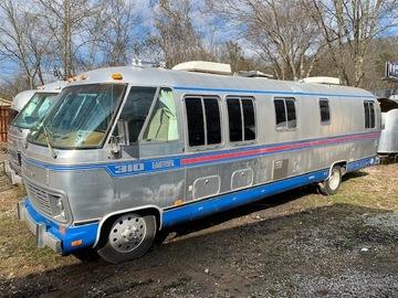 Trailer Sales: 1982 Airstream Classic Motorhome Diesel