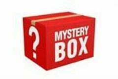 Liquidation/Wholesale Lot: Mystery fashion and beauty lot