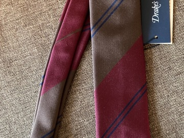 Selling with online payment: Drake's striped tie