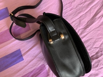 Selling without online payment: Kiabi Cross Body Bag w. Flap