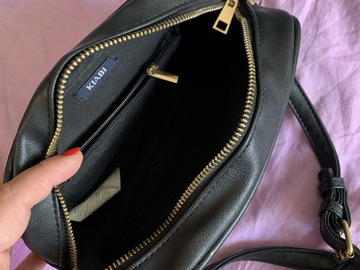 Selling with online payment: Kiabi crossbody bag with zippers