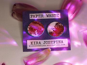 Myydään tavaraa tai tarvikkeita: PAPER WASTE -korvakorut