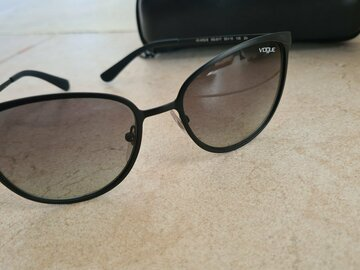 Selling with online payment: Vogue Sunglasses