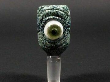 Post Now: No Label Glass Frit Eyeball Slide