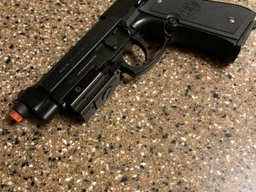 Selling: G and G Beretta M9 green gas
