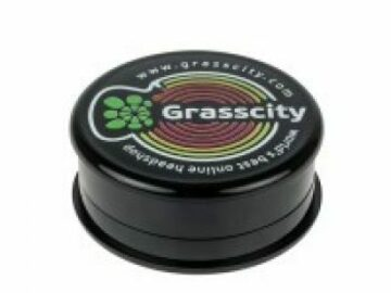 Post Now: Grasscity Plastic Magnetic 3-Part Herb Grinder