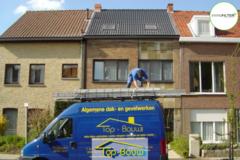 .: Hellend dak met VELUX I door Top-Bouw