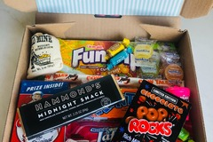 Selling products with online payment: Retro Sweet Treat Grazing Box