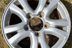 Selling: 2004 Lexus LX470 Wheels