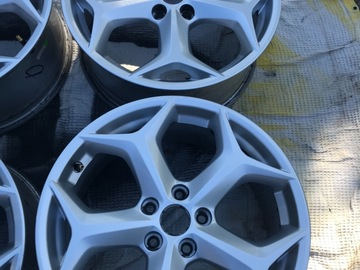 Selling: Stock Focus ST Wheels