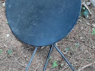 À vendre: Table exterieur en tole