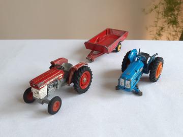 À vendre: Tracteurs & remorque miniature vintage 1960 Corgi & Dinky Toys
