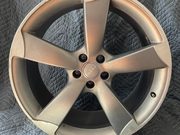 Selling: Audi S8 21 inch OEM Wheels