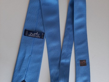 Selling with online payment: Hermes woven silk tie  rare collectors item