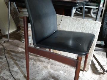 Faire offre: Lot de quatre chaises Vintage Thereca