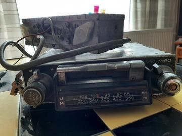 Faire offre: Auto radio vintage Philips