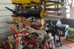 Selling: LOTS OF PLANES, AND PARTS. SELLOUT!!