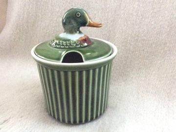 Vente: Terrine à tête de canard et son bol assorti