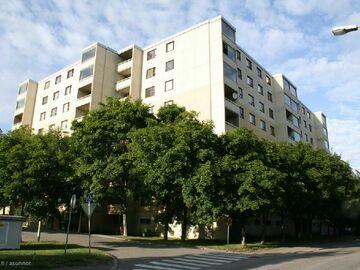 Annetaan vuokralle: room in a shared apartment near Aalto in Leppävaara
