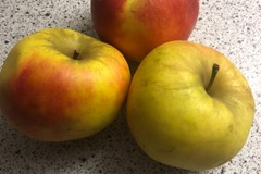 Free (give away): Apples