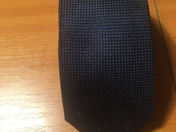 Selling with online payment: NWT Giuerre Milano navy woven silk tie