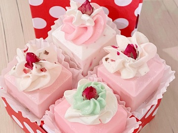 Selling with online payment: Soap Petits Fours