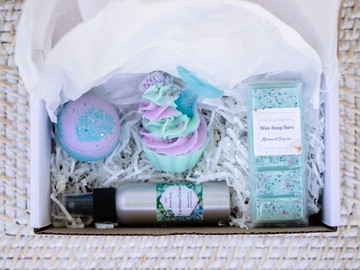 Selling with online payment: Mermaid Splash Gift Box Collection