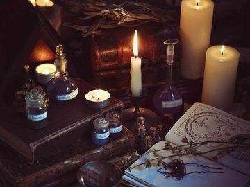 Selling: Candle Works & Ritual