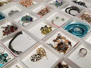 Liquidation/Wholesale Lot: 116 Walmart Gift Boxed Jewellery Prepriced $6.97 (Removable)