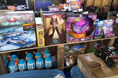 Liquidation/Wholesale Lot: Super steal mystery box of 6 new, open box, customer returns