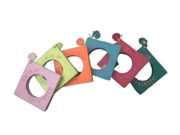 Vente: 6 Ronds de serviettes carrés et colorés