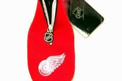Liquidation/Wholesale Lot: NHL Detroit Red Wings Neoprene Bottle Suit Koozie Holder