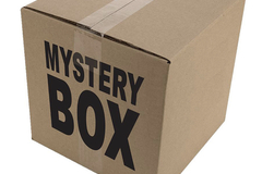 Liquidation/Wholesale Lot: Mystery Box Clothing 25 pieces