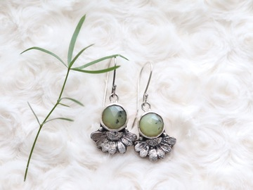 Selling: Chamomile Earrings