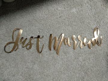 Ilmoitus: Ruusukultainen Just Married-viiri