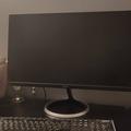 Myydään: Monitor and keyboard
