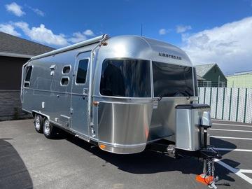 Trailer Sales: 2018 airstream flying cloud 25U travel trailer